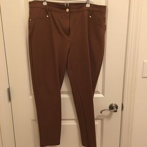 Chicos SoSlimming pants